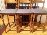 4 bar stools 15 pounds each