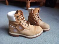 Women's Timberland genuine leather boots size 4.5