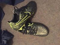 Mens Size 7 Nike Football Boots