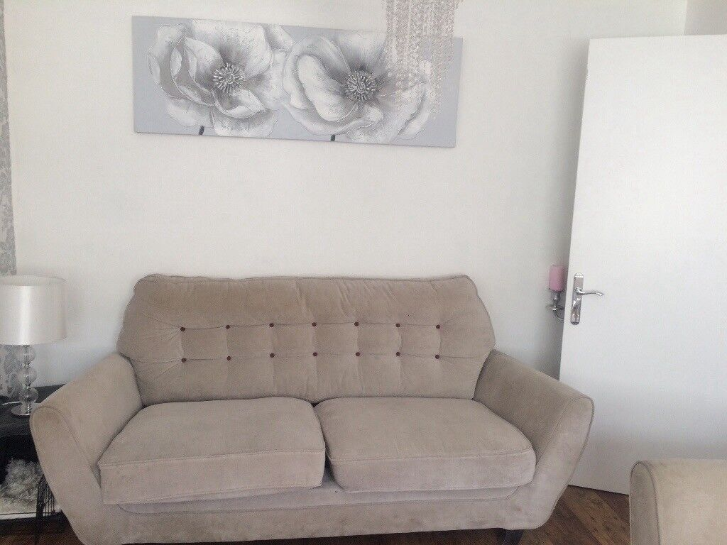 2 large Sofas £30   in Farnley, West Yorkshire   Gumtree