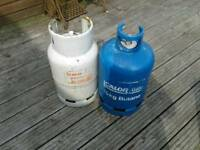 2 X EMPTY CALOR GAS BOTTLES 1 X 15 KG AND 1 X 13 KG