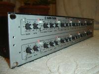 Klark Teknik DN410, Dual Parametric Equalizer, 5 Band Stereo Eq Hi & Lo Cut Rack