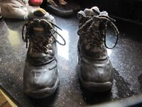 UNISEX WALKING BOOTS, SIZE 1. Great condition. HI-TEC brand. Grab a bargain. Can deliver.
