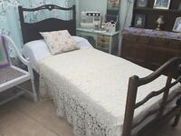 Antique Quality 1920s hills of London over single bed