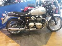 Triumph Bonneville T100 Limted Edition No42 of 50