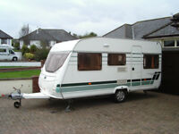 2005 LUNAR CHATEAU 450 lightweight 4 berth caravan in good condition