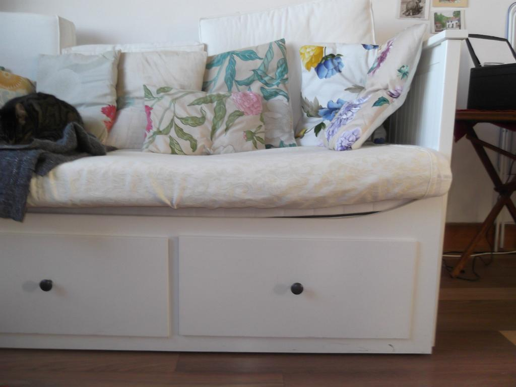 Ikea Pax Schrank Konfigurieren ~ white IKEA daybed Hemnes IKEA day bed frame with 3 drawers white wood