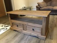 Solid oak effect TV stand with 2 drawers ( like new )