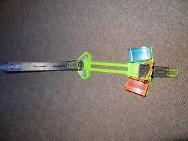 Hot Wheels City Stunt N Dunk Playset - colour changing car