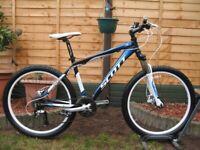 SCOTT Aspect 30 Disc Mountain Bike. 26''wheels. 17.5''frame. Hydraulic Disc Brakes. 24 speed. VGC