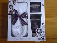Gift set Bayliss and Harding.... Just £3.......NEW