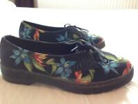 BRAND NEW Woman's size 6 Dr.Martens