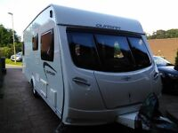LUNAR QUASAR 544 LUXURY 4 BERTH TOURING CARAVAN 2012 FIXED BED LIGHTWEIGHT *MANY EXTRAS* AWNINGS