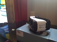 Samsung gear VR in frost white color just like new