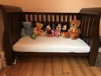 Beautiful Boori Sleigh 3 in 1 Cot Bed in English Oak RRP £170 (RRP£600) Pick up NW10 Ldn