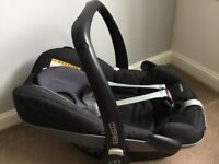Black Maxi Cosi Car Seat - Pebble Group 0+ (suitable from birth) £50 ONO