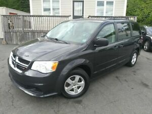 2012 Dodge Grand Caravan SXT | DVD | BACKUP CAM | CLEAN |