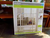 UNUSED Lindam Easy Fit Plus Safety Gate
