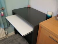 Computer Desk with pullout keyboard tray - Excellent condition
