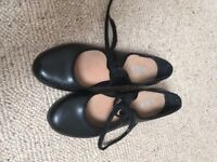 Tap shoes & jazz shoes size 1