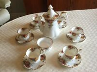 Royal Albert old country Roses (first edition) coffee set