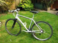 TREK 7.5 Fx Hybrid Bike - 2009 Alloy Frame/Carbon Forks - Good Condition