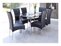 Black Glass Dining Table with 6 Chairs Very Good Condition