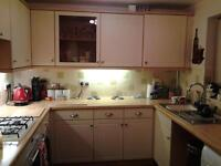 fitted kitchen cupboards/drawers