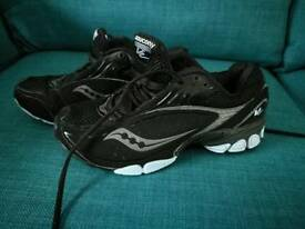 SAUCONY V2 fit trax size 6 EXCELLENT CONDITION