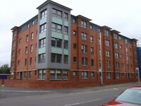 2 bed unfurnished flat with en suite