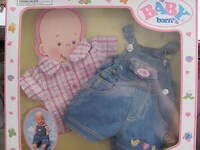 NEW IN THE BOX, SUPER DUPER CUTE DOLL CLOTHES!