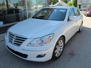 2011 Hyundai Genesis luxury sedan 143,000 k CLEARANCE $11,900