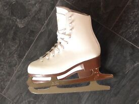 Nearly New Girls Graf Ice Skates - UK Size 1, European 33 Just £45 on Collection from Mosborough