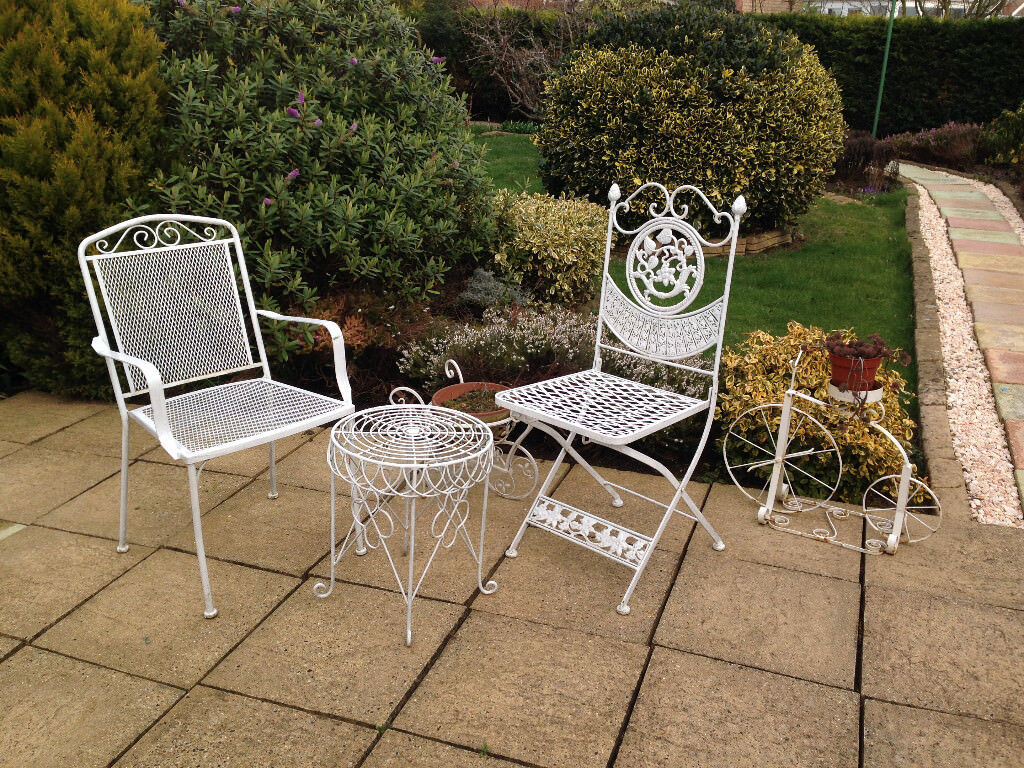 Iron Garden Table 2 Chair Patio Set White In Market Deeping