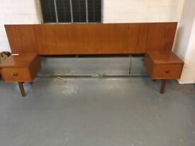 VERY NICE TEAK 70's HEADBOARD WITH ATTACHED SIDETABLES
