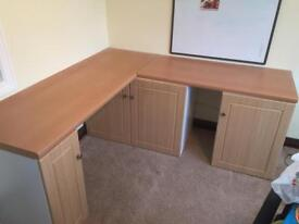 Desk good condition,