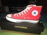 Red converse Unisex size 7 in box