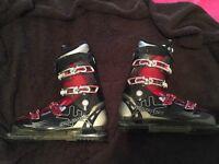 Salomon ski boots 30.5