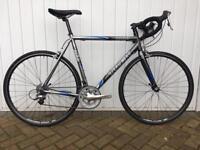 Road Bike - Trek 1000SL - Shimano Tiagra 58cm Frame