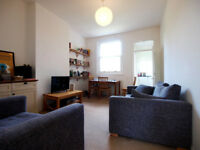 A 2 bedroom conversion on the 1st floor of a period house with easy access to Caledonian Road tube