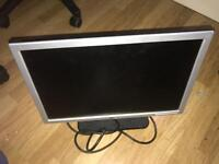 """Dell 19"""" Monitor 1440x900 in very good condition. Comes with cable"""