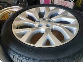 21 INCH ORIGINAL RANGE ROVER ALLOYS FITTED WITH BRAND NEW CONTINENTAL TYRES