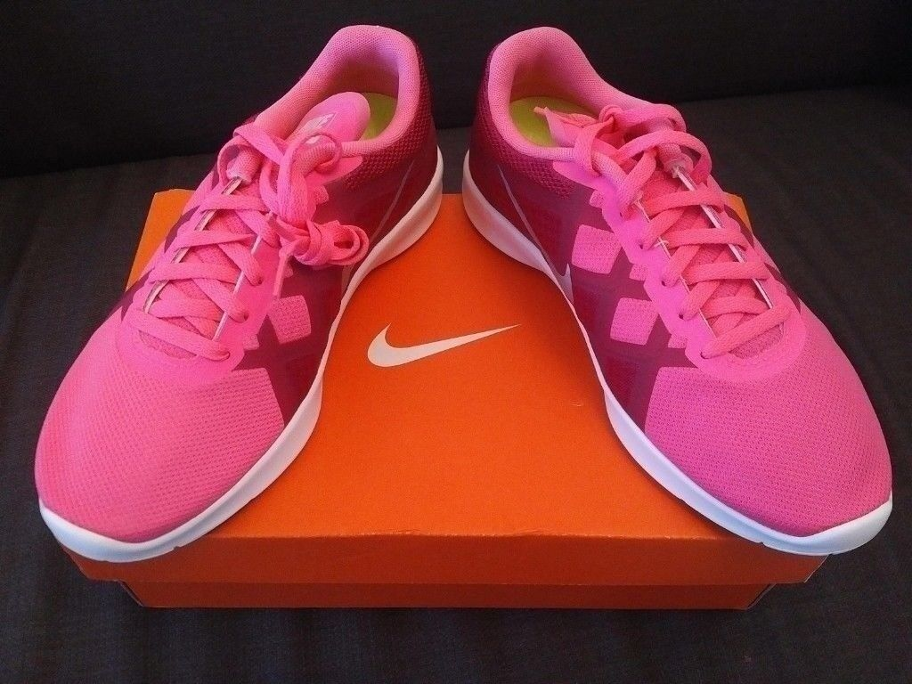 67d6f68c0dcb NEW IN BOX  Nike Lunar Lux TR women s or girls pink trainers   gym running  shoes - Size 4