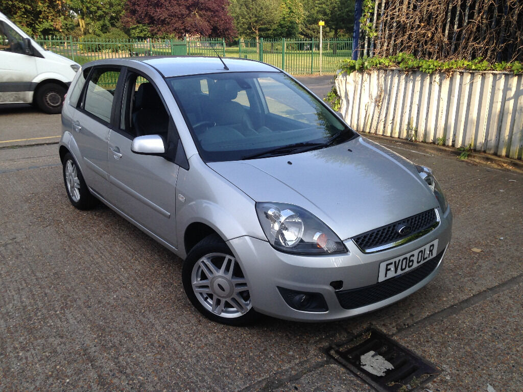 automatic ford fiesta 2006 facelift model full leathers full 1 year mot superb drive cheap. Black Bedroom Furniture Sets. Home Design Ideas