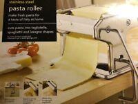 PASTA ROLLER MACHINE - Stainless steel.