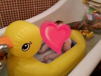 Baby's duck bath