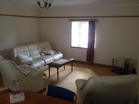 3 Bedroom Flat, Fully Furnished Flat, 3 x big sized Double Bedrooms,