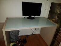 Beech wood office desk, very good condition