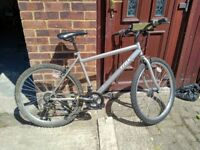 Adults Mountain Bike, 18 speed shimano gears