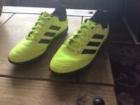 Adidas Astro Trainers UK 7